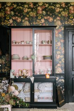 Our latest favorite trend has its origins in an unlikely subject matter: grandparents. There's something about a pattern-filled home stuffed with retro furniture and fun kitschy decor that feels so right—here, how to bring this style home. Pink Cabinets, Black Kitchen Cabinets, Painting Kitchen Cabinets, Nice Kitchen, Kitchen Shelves, Custom Cabinets, Glass Shelves, Cupboards, Scandinavian Interior Design