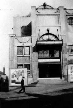 Sheffield Cinemas - List - SHEFFIELD CINEMAS, THEATRES & MUSIC HALLS - Sheffield History - Sheffield Memories Cinema Listings, Home Cinemas, Sheffield, History, Theatres, Pinterest Marketing, Yorkshire, Media Marketing, Entertainment