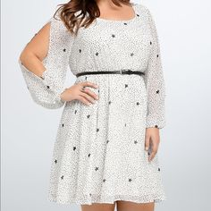 NWT torrid size 2 star pattern split sleeve dress NWT torrid size 2 star pattern split sleeve dress. Soft lined dress with smocking at waist for stretch and definition. Belt is NOT included best for an 18/20 torrid Dresses