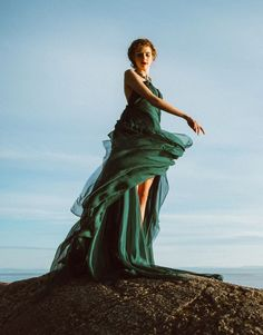 15 'Game of Thrones'-Inspired Prom Dresses That Look Magical (Not Costumey)