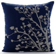 Navy Blau Kissenbezüge Platz Magnolia Blume von TheHomeCentric