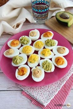 Mimosa eggs, available in 4 versions - Cooking Recipes Egg Recipes, Cooking Recipes, Healthy Recipes, Clean Eating Snacks, Healthy Eating, Comida Para Baby Shower, Eating Vegetables, Snacks Für Party, Easy Cooking