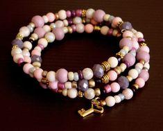 Memory wire bracelet vintage colors glass coconut wood gold beads key charm Multilayer Women's Jewelry Wrap Bracelets Gift for her de BlueLagoonBay en Etsy #wirejewelry