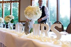 Wedding Head Table Decorations - Photography by Jen and Jody Photography