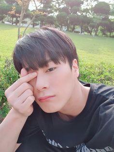 Park Jin Woo, Ikon Member, Astro Wallpaper, Astro Fandom Name, Eunwoo Astro, Lee Dong Min, Ben Hardy, K Pop Star, Dear Future Husband