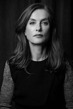 iconic actress ட் french isabelle huppert cinema portrait photographie noir et blanc black and white Michael Haneke, Charlotte Rampling, French Actress, Star Wars, Glamour, Women In History, Poses, Famous Women, Celebs