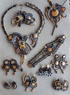 Bead Jewellery, Jewlery, Soutache Earrings, Shibori, Bead Crafts, Beaded Embroidery, Jewelry Sets, Jewelry Design, Ribbon