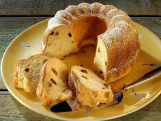 Rosinenkuchen ist ein Rezept mit frischen Zutaten aus der Kategorie Kuchen. Probieren Sie dieses und weitere Rezepte von EAT SMARTER!