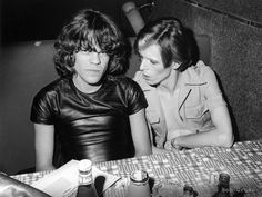 Bob Gruen David Johansen of thew New York Dolls and David Bowie, Max's Kansas City, Manhattan, New York City 1974 David Bowie, Kansas City, The Thin White Duke, New York, Ziggy Stardust, Glam Rock, Mode Style, New Wave, Album Covers
