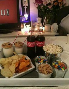 Pin- voguesmoothie movie night snacks, sleepover snacks, movie nights, home date night Fun Sleepover Ideas, Sleepover Food, Girl Sleepover, Sleepover Birthday Parties, Girls Slumber Parties, Ideas For Sleepovers, Party Ideas For Teenagers, Sleep Over Party Ideas, Slumber Party Snacks