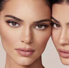 Kylie Jenner Lipstick, Ojos Kendall Jenner, Kendall Jenner Photoshoot, Kendall Jenner Makeup, Kylie Jenner Instagram, Kendall Jenner Outfits, Kylie Jenner Beauty Shoot, Kylie Jenner Face, Mac Velvet Teddy