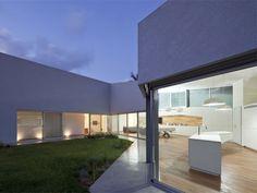 House in Hofit by Paritzki & Liani Architects