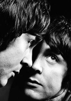 Paul McCartney, un seul œil et la double personnalité, un thème récurent