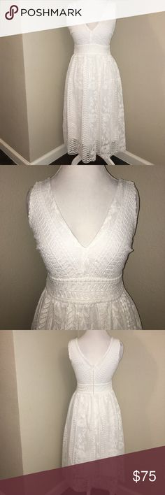 Lulus Lace Midi V Neck Dress Only worn once or twice. Great for a graduation, bridal shower, or nice summer/spring events Lulu's Dresses Midi
