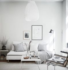 Minimalist Living Room Ideas and Inspiration Living Room Green, Interior Design Living Room, Living Room Designs, Living Room Decor, Living Spaces, Bedroom Decor, Living Room Inspiration, Home Decor Inspiration, Minimalist Living