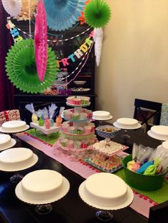 Hana's 11th birthday Bake Shoppe party. The girls had so much fun decorating their own cake.