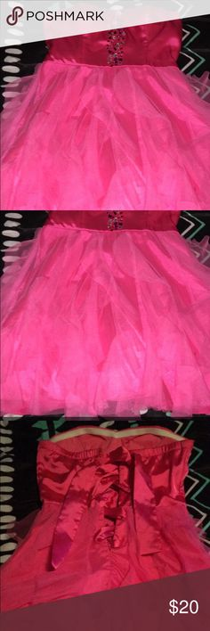Super cute pink dress! Size 7. Super cute pink dress. Worn once for my 16th birthday party. Size 7. Dresses Prom