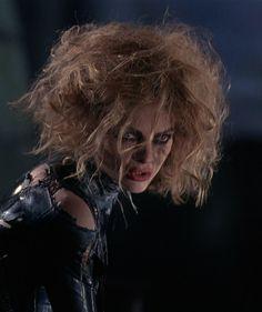 Michelle Pfeiffer as Catwoman in Batman Returns Director: Tim Burton Catwoman Cosplay, Cosplay Gatúbela, Catwoman Comic, Cosplay Ideas, Wonder Woman Art, Wonder Woman Kunst, Jason Todd Batman, Michelle Pfeiffer, Batman Art