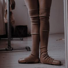 Dance Picture Poses, Dance Photos, Dance Pictures, Dance It Out, Just Dance, Carlson Young, Ballet Clothes, Pretty Ballerinas, Ballet Photography