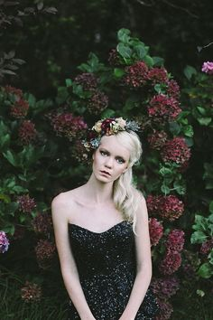 Moody floral crown | Photo by Lara Hotz
