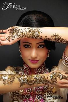 There are many types of mehndi patterns girls here. Mehndi or Henna Designs are different for different occasions. Like Mehndi Designs for. Mehendi, Arte Mehndi, Henna Mehndi, Hand Henna, Henna Hands, Arabic Mehndi, Mehndi Art, Eid Mehndi Designs, Bridal Henna Designs