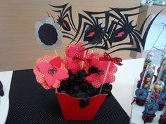 Centro de mesa: 50 Ideias para festa do Homem Aranha, confira: http://www.gemelares.com.br/2013/07/festa-homem-aranha.html