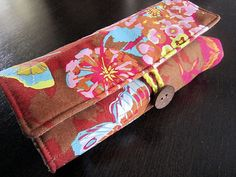 Make-up bag with a place for everything!