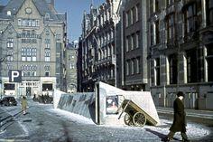 Een schuilkelder aan het Rokin in Amsterdam 1940-1945.