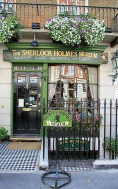 I am definitely stopping by here if I ever go to London!! The #Sherlock Holmes Museum, 221B Baker Street, London.