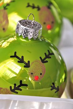 Fingerprint reindeer ornaments-cute craft idea for little kids when it's too icky to play outside.