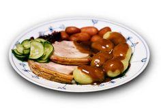 Danskhed. »Jeg spiser flæskesteg med kartofler, brun sovs og rødbede en gang imellem. Ikke fordi jeg skal, men fordi jeg kan lide det«, skriver Ivan Gaseb, der dog må indse, at det ikke rækker til at være rigtig dansk. Foto: Jens Dresling (arkiv)