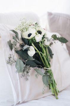 Anemone and Ranunculus Bouquet on juliettelaura.blogspot.com