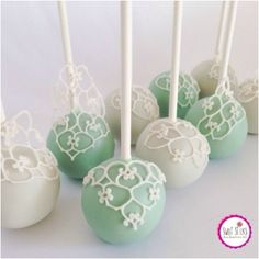 Want to improve their cake pop making skills? http://bakingyummytreats.weebly.com/make-perfect-cake-pops.html