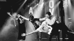 theatrically bows like all time low after a concert
