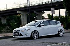 White Ford Focus MK3 #RS #ST Range Rover Wheels, Ford Focus Hatchback, Eco Friendly Cars, Lifted Ford Trucks, Mustang Cars, Bugatti Veyron, Land Rover Defender, Car Car, Concept Cars