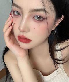 Asian Makeup Looks, Asian Eye Makeup, Day Makeup, Makeup Inspo, Baby Pink Aesthetic, Asian Eyes, Ulzzang Korean Girl, Make Up, Pretty