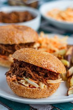 Pulled Pork Burger, Pork Burgers, Snacks, Ethnic Recipes, Genre, Food, Style, Snacks Ideas, Swag
