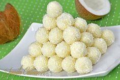 Prajitura Alba ca zapada Romanian Desserts, Romanian Food, Gordon Ramsey, Cookie Recipes, Snack Recipes, Almond Macaroons, Pudding Cookies, Good Food, Yummy Food