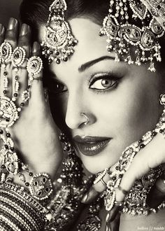 Aishwarya Rai in umrao jaan, indian bride jewellery set
