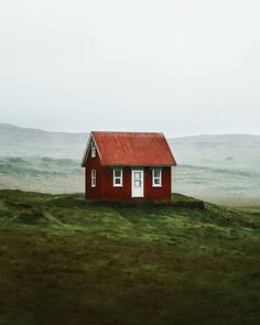 Beautiful Homes, Beautiful Places, Cute House, Cabins And Cottages, Cabins In The Woods, Little Houses, Architecture, Wonders Of The World, Countryside