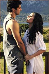 In Aashiqui 2, what probably started as an interesting story idea -- troubled artists, dynamics in a relationship -- eventually got buried under the debris of random motifs from previous hits delivered by the Bhatt camp, writes Nishi Tiwari.