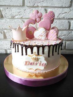 Princess Drippy Cakes, Baby Girl Birthday Cake, One Layer Cakes, Macaroon Cake, Russian Cakes, Meringue Cake, Cake Business, Fashion Cakes, Colorful Cakes