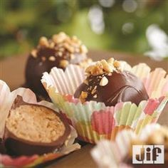 Need a special homemade treat for Mother's Day? Try these Peanut Butter Chocolate Cake Bites from Jif® for Mom!