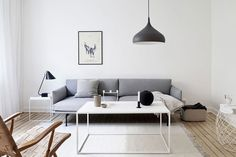 3 Amazing Tips Can Change Your Life: Minimalist Interior Scandinavian Sofas minimalist home declutter book.Vintage Minimalist Bedroom Modern minimalist home vintage living rooms.Minimalist Home Scandinavian Inspiration. Modern Minimalist Living Room, Mid Century Modern Living Room, Simple Living Room, Minimalist Home Interior, Small Living Rooms, Home Interior Design, Living Room Designs, Minimal Living, Minimalist Style