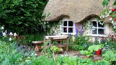 English Country Garden Cottage Patio