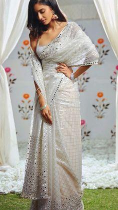 saree styles for farewell modern & saree styles _ saree styles for farewell _ saree styles wedding _ saree styles modern _ saree styles for farewell teenagers _ saree styles classy _ saree styles for farewell modern _ saree styles for farewell classy Trendy Sarees, Stylish Sarees, Fancy Sarees, Sari Dress, The Dress, Indian Dresses, Indian Outfits, Indian Wedding Fashion, Indian Fashion