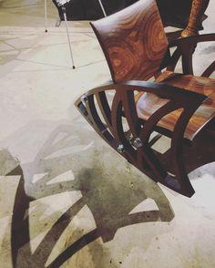 ExpoMeuble2016   #lookingfortalent #crush #artist #wood #woodwork #rockingchair #design #modern #art #shoplocal de patdou