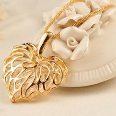 gold necklace heart - Hľadať Googlom