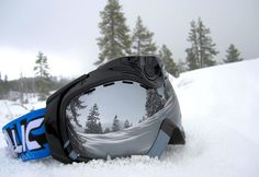 Shoot up to two hours of breathtaking video or take or more dramatic photos of your skiing… Snow Toys, Travel Sweepstakes, Best Travel Gifts, Ski Bunnies, Dramatic Photos, Ski Goggles, Travel Channel, Video Camera, Images Gif