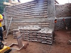 Confined Earthbag Building - This is a good method for those who need to meet building code and for areas that are vulnerable to hurricanes and earthquakes.